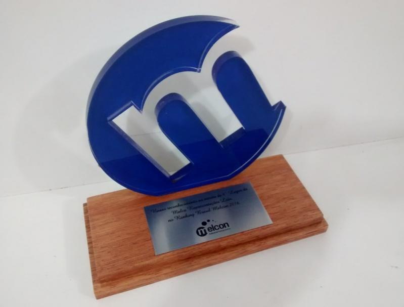Quanto Custa Troféu em Acrílico para Personalizar Ipiranga - Troféu para Formatura em Acrílico sob Medida
