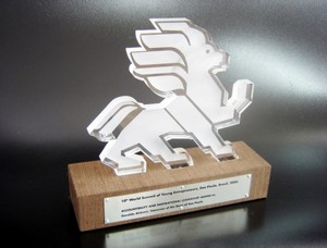 Quanto Custa Troféu Personalizado em Acrílico Capão Redondo - Troféu Corporativo de Acrílico Colorido