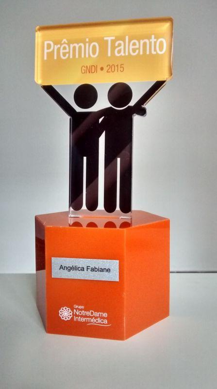 Troféus de Acrílico Preço no Morumbi - Troféu de Acrílico Personalizado