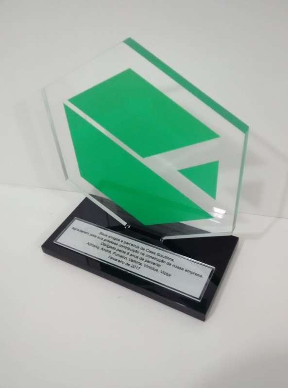Venda de Troféu Corporativo de Acrílico Colorido Saúde - Troféu em Acrílico Transparente